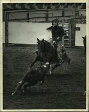 1969 Press Photo Sandy Powell on horse, Squaw Baby, Houston Livestock Show/Rodeo
