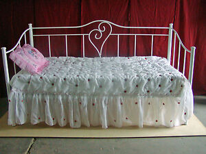 Maria Single Size Metal Day Bed - Aussie Made