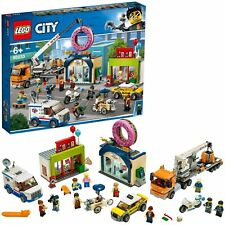 LEGO City giant mobile cranes! Donut shop opened 60233