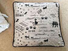 Linen Blend Animals & Bugs Modern Decorative Cushions