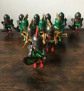 PLAYMOBIL  12 chevaliers du dragon vert, avec casques, épées et boucliers