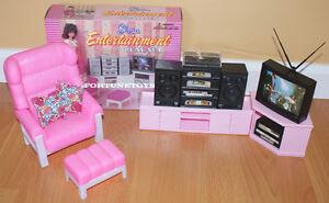 GLORIA Doll HOUSE SIZE Furniture ENTERTAINMENT TV Hi-Fi Speakers PLAYSET