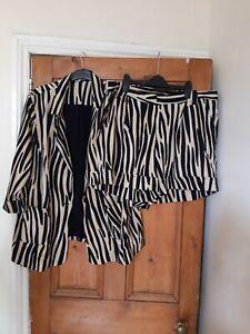 Ladies Simply Be Stylish Beige & Black Zebra Print Jacket & Shorts Size 20