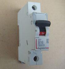 LEGRAND Disjoncteur,4074 32- DX3- 1Pôle- B16- 16A- 10KA- 230/400 V~ (4074 32)