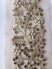Atractivo Perla y Cristal Flores Ancho indio en red de oro recortar/Encaje-Vendida Por Mtr