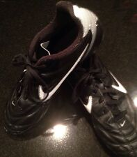 Youth Cleats 4 1/2 Nike Black