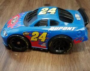 Jeff Gordan #24 Collectable - Dupont Race Car - Slot Car 2007 Mattel