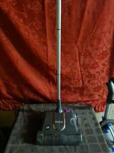 Shark cordless vacuum sweeper