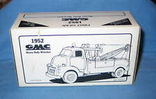First Gear 1952 GMC SALES Heavy Duty Wrecker 1/34 scale #10-1035