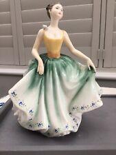 "Fab Vintage chic ! Royal Doulton "" Cynthia ""  Porcelain Figurine HN 2440"
