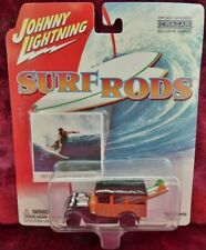 JOHNNY LIGHTNING  SURF RODS 1931 FORD MODEL A WAGON WITH PICTURE CARD (2003)