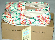 TOMS Women's Classic Tropical Floral Burlap Shoes Size 6