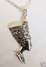 Nefertiti COLGANTE Collar en tono plata 46 Cm