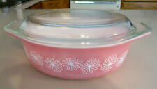 New ListingVintage Pyrex Pink Daisy 1 1/2 Qt. Casserole Dish w/Lid
