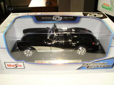 Maisto 1957 Chevrolet Corvette 1:18 Diecast Car
