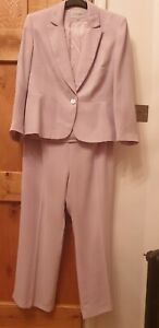 Lovely summery lilac 3 piece trouser set. Size 16/18. Ideal for wedding!