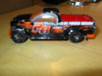 1/64 HOT WHEELS - CLASSIC DODGE POWER WAGON BLACK DIECAST CAR 2008