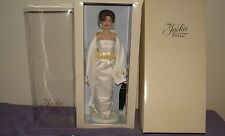 Franklin Mint Jackie Kennedy Vinyl Doll In The White Satin Gown W COA