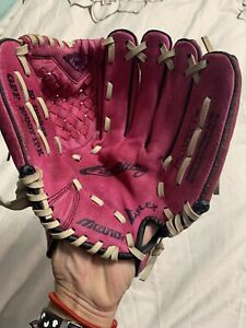 Mizuno 10 Inch Flex Pink Fast Pitch Glove Left Hand