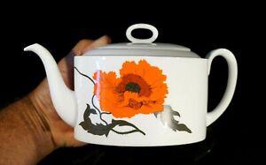 Beautiful Wedgwood Susie Cooper Cornpoppy One liter Teapot