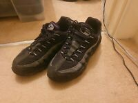 Men's Nike Air Max 95 TRIPLE BLACK Trainers Size UK 8 FREE DELIVERY!