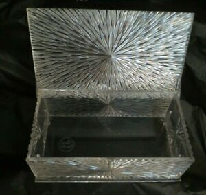 VINTAGE MCM CELEBRITY, INC. STARBURST PLASTIC LIDDED VANITY BOX - Made U.S.A.