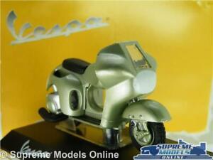 VESPA 125 CIRCUITO MODEL SCOOTER BIKE 1950 1:18 SCALE MAISTO GREEN MOPED R01