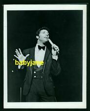TOM JONES VINTAGE 8x10 PHOTO SINGING ON TALK OF THE TOWN IN LONDON 1967