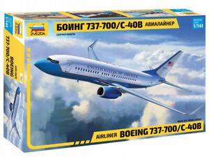 Zvezda Model Kit 7027 Civil Airliner Boeing 737-700/C-40B, scale 1/144