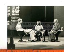 Star: Brigitte Mira con Werner Höfer addetto stampa dell'Organizzazione Todt