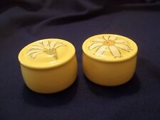 Vernon Metlox Pottery  GAIETY  Shakers  Yellow with Daisy Flower Vintage  1970's