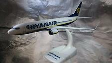 * Herpa Snapfit 609395 Boeing 737-800 Ryanair EI-ENX Scale 1:200 Scale and Stand
