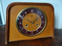 Vintage Mid Century 1955 Bentwood Smiths Enfield Mantel Clock with Chime Key