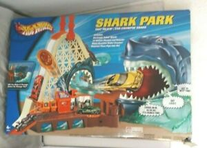 SHARK PARK HOT WHEELS SET IN UNOPENED BOX - BOX HAS SOME WEAR DAMAGE SEE LISTING