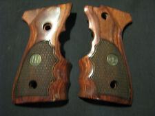 Beretta 92F, 96F, 92FS, 96FS Rosewood CHECKERED Fingergroove Pistol Grips w/Meds