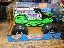 Hot Wheels Black and Green Die-Cast Truck in 1:24 Scale Monster Jam Grave Digger