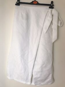 Women Lost Ink White Wrap Skirt  Size 10