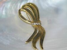 Estate Large Ridged Goldtone Ribbon with Clear Rhinestone Accents Pin Brooch –