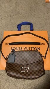 louis vuittons handbags cross body shoulder Auth. It's A Very Nice Bag To Have !