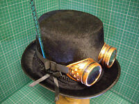 Gothic Steampunk/victorian top hat + welding goggles ++ Green pheasant feather