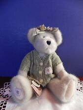 """Boyds Bears """"A 00004000 shlyn Bloomingrows"""" T, J.'s Best Dressed Collection 12"""""""