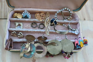 EAR RINGS BOX AND MORE