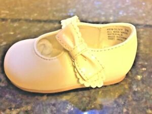 Baby Shoes Bone MaryJanes  Shoes with a Patent Bow  NEW Infants Girls Size 2 M