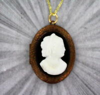 VINTAGE ANTIQUE BLACK AND WHITE GLASS CAMEO PENDANT NECKLACE WITH LOCKET