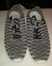 Women's forever Black & White Size 7 Shoes