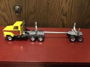 """Vintage ERTL International Transtar Truck Tractor and Log Trailer Semi 1/25 18"""""""