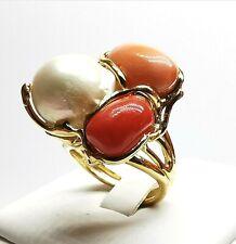 anello con gemme di corallo rosso naturale e perle barocche in argento rodiato