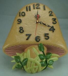Vintage Retro Arnels Mushroom Clock in Working Order Hand Painted c1970's QB17