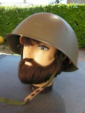 casque militaire tchèque      (man )