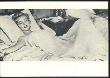 MARILYN MONROE in bed Bare arms Niagara Photo postcard carte postale cp AK